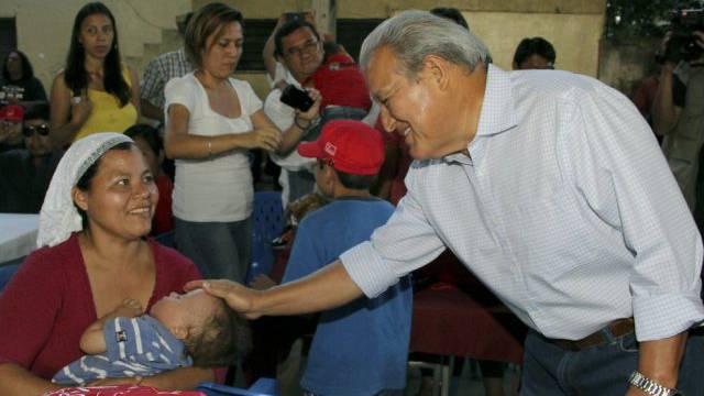 Präsidentschaftskandidat Salvador Sánchez Cerén beim Wahlkampf