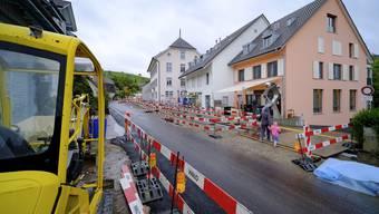 Der Volg (Bildmitte), aber auch andere Geschäfte in Arisdorf klagen über massive Umsatzeinbussen.