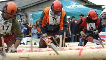 Achtung, fertig, Motorengedröhne: Auf dem Solvay-Areal wird der sportlichste Forstarbeiter im Kanton ermittelt.
