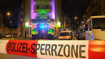 Die Razzia in der Chilli's Bar führte zu den Verhaftungen. TeleZüri.
