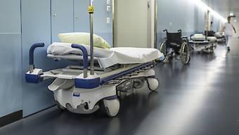 Der Kanton Zürich hat 3300 Spitalaufenthalte eingespart. (Symbolbild)