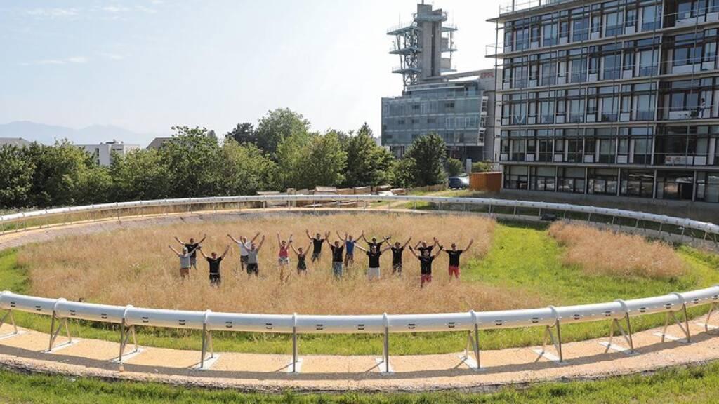 Auf dieser Endlos-Versuchsanlage auf dem Campus in Ecublens wird die ETH Lausanne den von ihr entwickelten Hyperloop-Antrieb testen. Hyperloop ist das Transportmittel der Zukunft: Ein vakuumiertes Röhrensystem, in dem Transportkabinen beinahe mit Schallgeschwindigkeit verkehren (Pressebild)