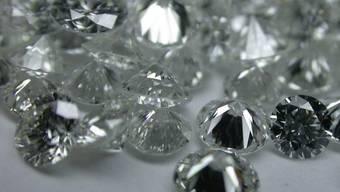 Ein Mann wollte verschluckte Diamanten schmuggeln (Symbolbild)