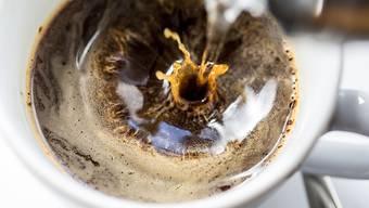 Nestlé will laut Medienberichten von Starbucks das Retailgeschäft rund um fertigen Kaffee, Getränke und Bohnen übernehmen. (Symbolbild)