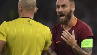 Kassierte in der 39. Minute für ein überhartes Einsteigen die Rote Karte: Roma-Captain Daniele De Rossi