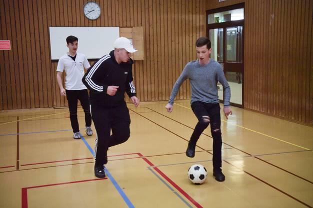 Fussballspiel steht hoch im Kurs bei den Jungs