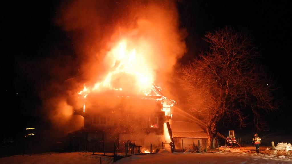 56-jähriger Mann bei Hausbrand in Vorderthal schwer verletzt