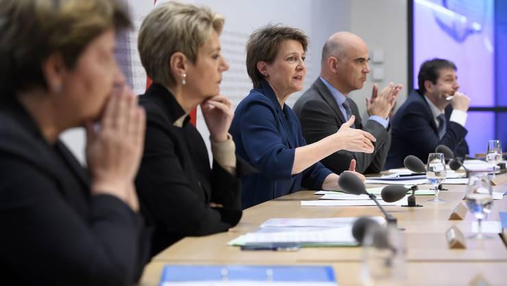 Der Bundesrat wird für sein zögerliches Handeln kritisiert.
