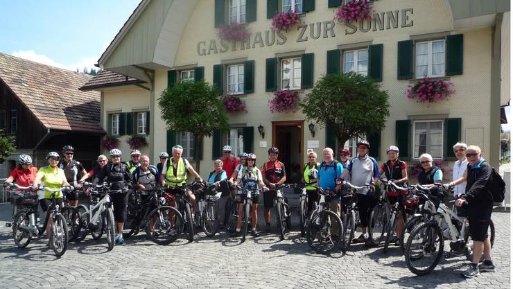 Pro Senectute Radsportgruppe Baden-Wettingen frisch gestärkt bereit zur Abfahrt
