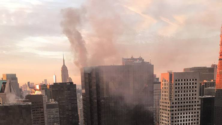 Beim Brand wurden zwei Personen verletzt.
