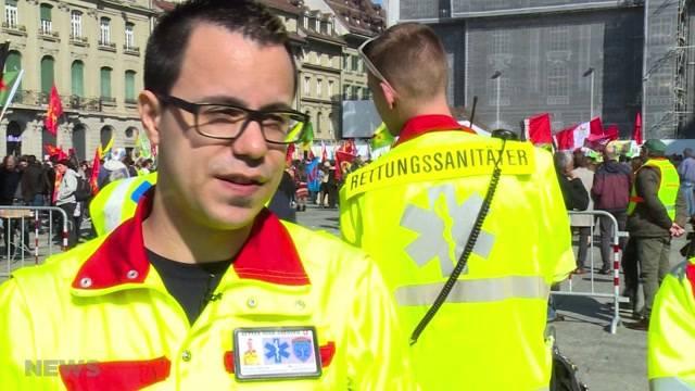 Der Sanitätsdienst «Retter ohne Grenzen» leistet freiwillig erste Hilfe, bis der Rettungsdienst eintrifft. Er war auch bei der Demo auf dem Bundesplatz vor Ort.