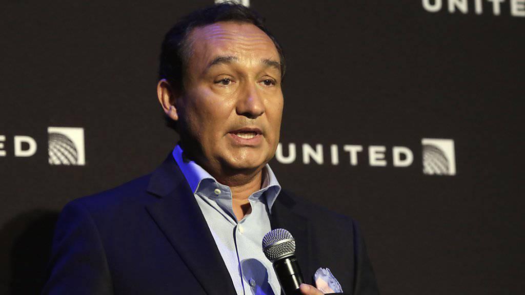 Karriereknick für den Konzernchef von United Airlines: Oscar Munoz steigt nicht wie geplant zum Verwaltungsratspräsidenten der Fluggesellschaft auf.