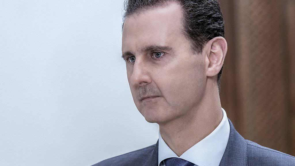 Syriens Präsident Baschar al-Assad hat sich mit ranghohen Vertretern seines engsten Kriegsverbündeten Russland in Damaskus getroffen. Bei den Gesprächen ging es um eine Zusammenarbeit beider Länder vor allem bei Energie, Industrie und Handel. (Archivbild)
