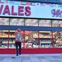 Ein Souvenirladen in Cardiff muss schließen. Foto: Ben Birchall/PA Wire/dpa