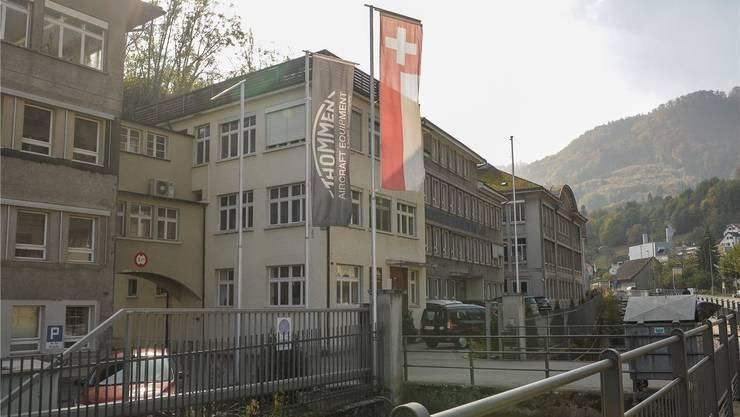 Schweizer Fahne, russisches Kapital – die einst stolze Revue Thommen ist ein Zwitter in viel zu grossen Räumen.