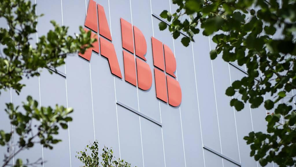 Der Industriekonzern ABB prüft verschiedene Devestitionen. (Archiv)