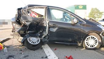 Der Sachschaden an den Fahrzeugen beträgt mehrere zehntausend Franken. (Symbolbild)