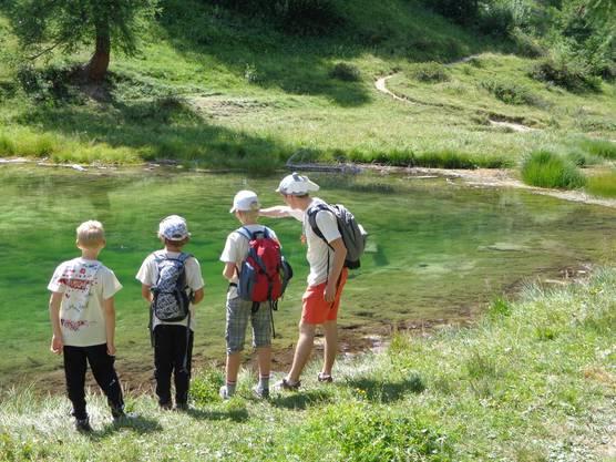 Auf der Wanderung kamen wir an diesem wunderschönen See vorbei, ein perfekter Ort um die Zutaten für den Zaubertrank zu suchen.