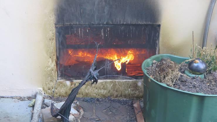 Im Keller eines Einfamilienhauses im Vrenelisgärtli in Binningen brach am Donnerstagnachmittag ein Feuer aus.