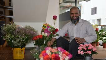 Ahmed Azeem in seinem Blumenladen. Er setzt auf seine offene, herzliche Art, den Menschen zu begegnen.