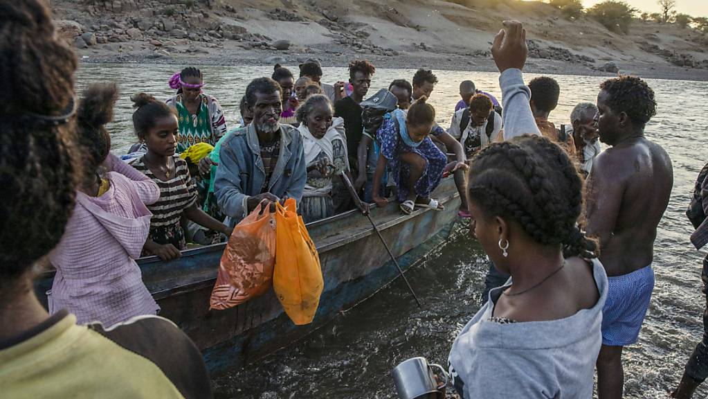 Die Zahl der Asylbewerber, die nach Europa einreisen wollen, hat wegen der Corona-Pandemie im laufenden Jahr deutlich abgenommen. (Symbolbild)