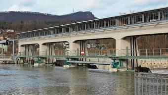 Die Axpo betreibt das Aarekraftwerk Rüchlig in Aarau.