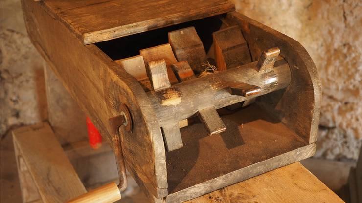 Die Karfreitagsraffel von 1814 kommt noch heute zum Einsatz.