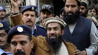 Gegen Kaution aus der Haft entlassen: Zaki-ur-Rehman Lakhvi (Mitte)