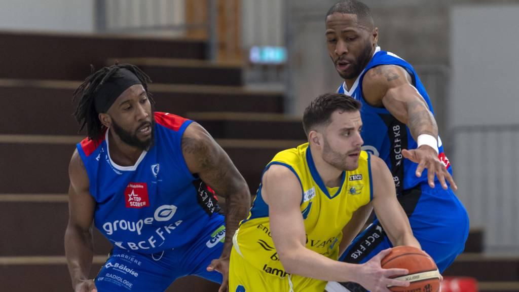 Auch im Schweizer Basketball, im Bild eine Szene aus der Partie zwischen Starwings Basel und Fribourg Olympic am 1. März, ist die Saison abgebrochen worden