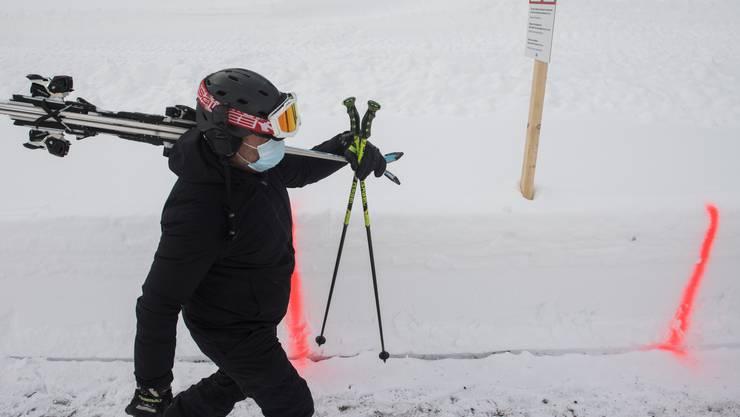 Sicher durch den Coronawinter: Die BFU ruft Schneesportler dazu auf, das Gesundheitssystem nicht unnötig zu belasten. (Symbolbild)