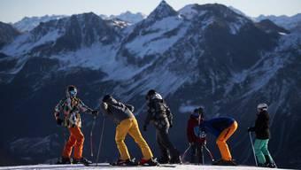 Ein Bild aus besseren Zeiten? Skifahrer in Arosa (29. November)