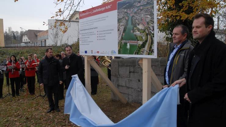 Die Bautafel der Laufenburger Acht ist schon seit längerem enthüllt, bis Ende Jahr soll nun die Planung auf deutscher Seite konkret werden. Archiv/von