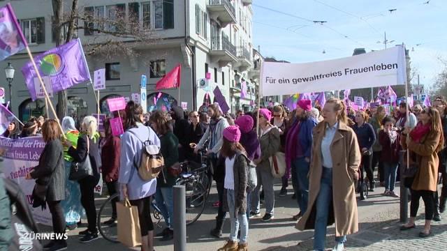 Frauenkampftag: Unbewilligte Demo in Zürich