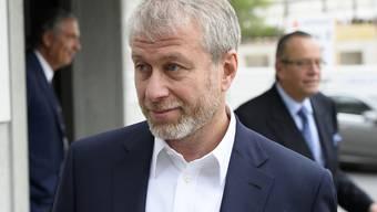 Der russische Milliardär Roman Abramowitsch musste sich in Freiburg vor Gericht verantworten.