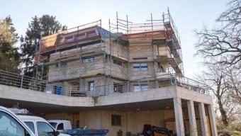 Erst bewilligt, dann mit einem Baustopp verhängt: das Haus am Juraweg 13.