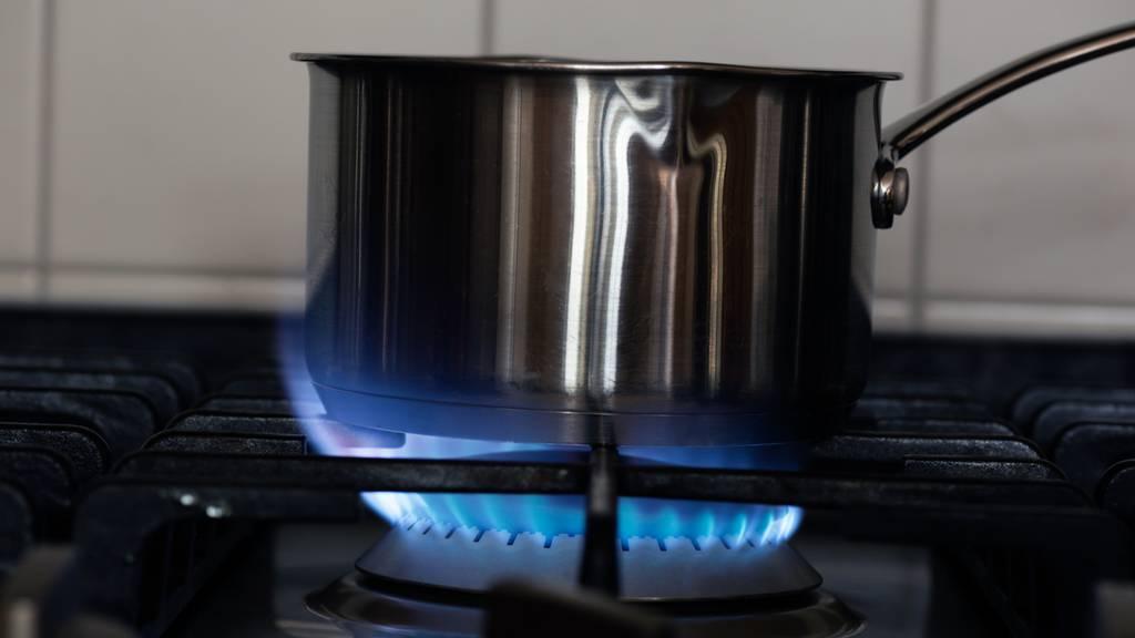 Zwei Personen bei Küchenbrand verletzt