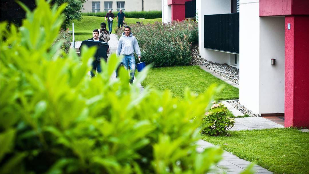 Hier holen Jugendliche bei Senioren in Neuenhof Sperrgut ab