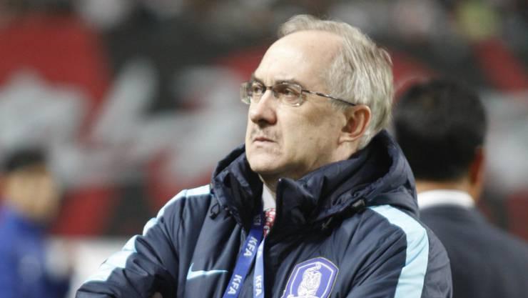 Südkoreas Nationaltrainer Uli Stielike wurde die Niederlage gegen Katar zum Verhängnis