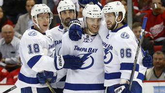 Holten mit Joel Vermin und Tanner Richard zwei Schweizer Spieler aus dem AHL-Farmteam in die NHL: die Tampa Bay Lightning