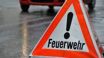 Zwei Einsätze innert zehn Minuten gab es am Montagmorgen für die Feuerwehr in der Stadt Zürich. (Symbolbild)