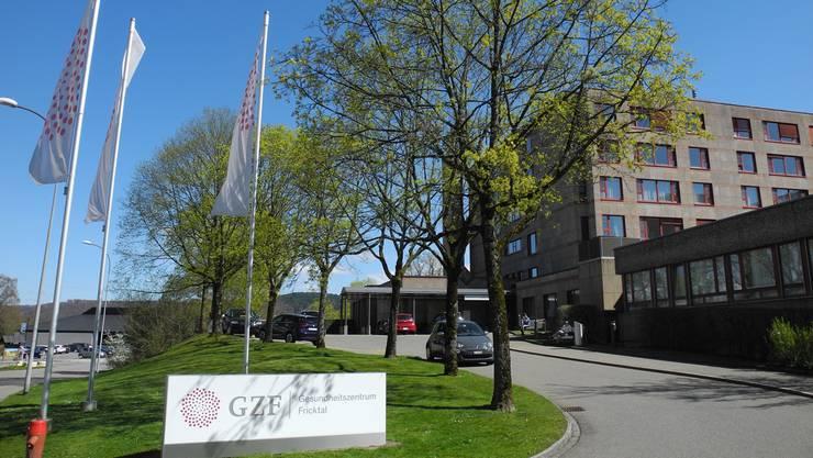 Mit der Petition fordert das «Komitee für den Erhalt des Spitals Laufenburg» die Geschäftsleitung auf, das Spital nicht zu schliessen.