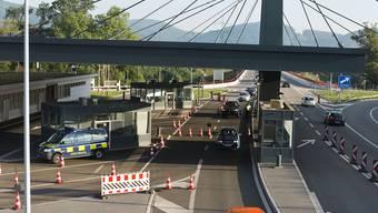 Am Grenzübergang in Rheinfelden blieb ein alkoholisierter Busfahrer hängen. (Symbolbild)