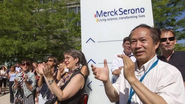 Angestellte von Merck-Serono bei einer Kundgebung in Genf (Archiv)