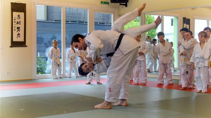 Judoka Ciril Grossklaus war zu Gast beim Nachwuchs im Movimento in Wohlen.