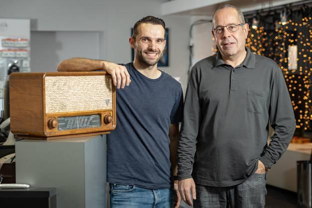 2018 übernahm Michael Ulrich (links) das Geschäft Radio TV Bolliger in Aarau von Mark Bolliger, Enkel des Gründers.