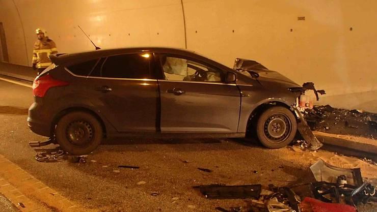 Ein 31-jähriger Schweizer aus der Region Baden kam mit seinem Ford im Umfahrungstunnel auf die Gegenfahrbahn.