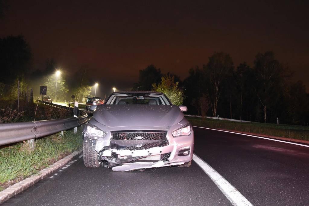 Einfahrt nach Unfall blockiert (© Kapo SG)