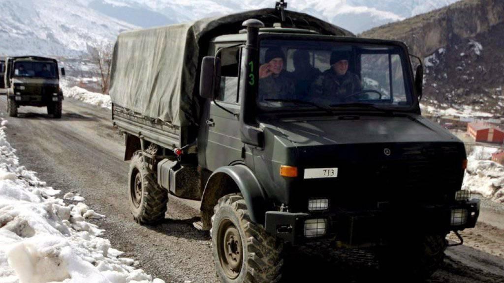 Fahrzeuge von türkischen Soldaten (Archiv)