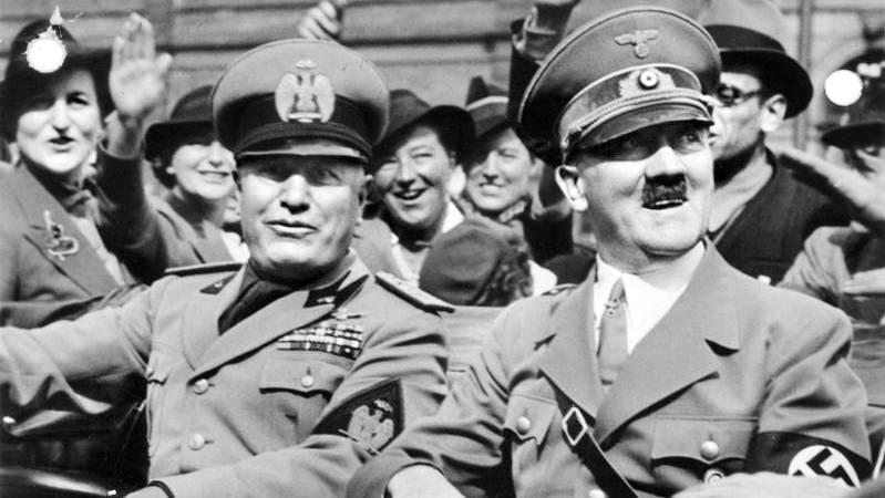 Du fragst dich, was Hitler und Mussolini in einem 1.-April-Quiz zu suchen haben? Dann schau doch mal in der ersten Frage nach.