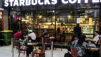 Der amerikanische Starbucks-Konzern will seine Teavana-Geschäfte mangels Erfolg schliessen. (Archivbild)